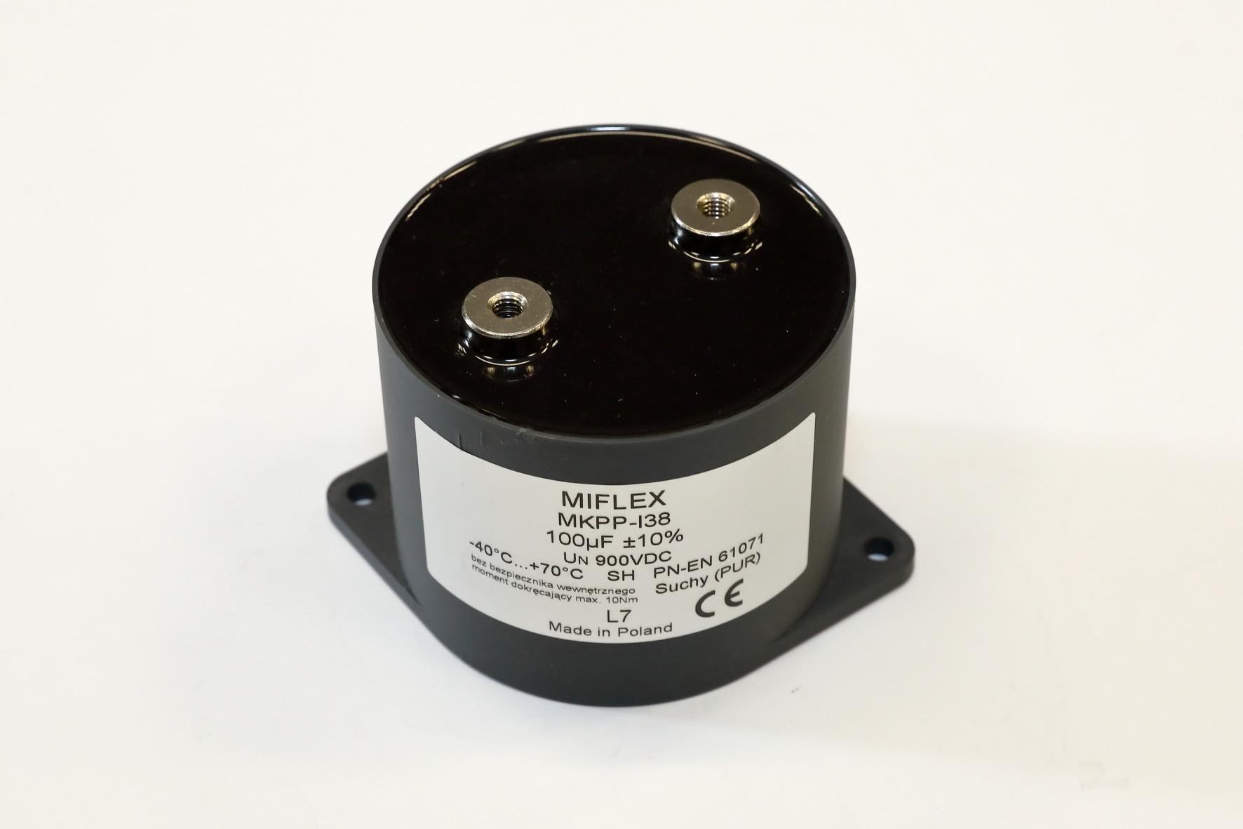kondensatory i2